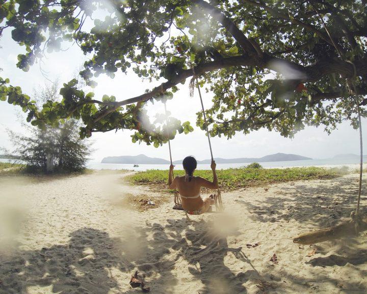 Отдых в тропиках: какие опасности подстерегают туриста