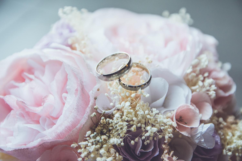 картинки с цветами в день свадьбы первый взгляд, она