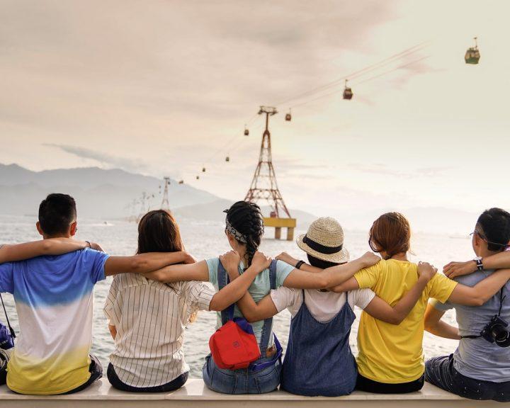Количество друзей, которое может быть у человека, ограничено