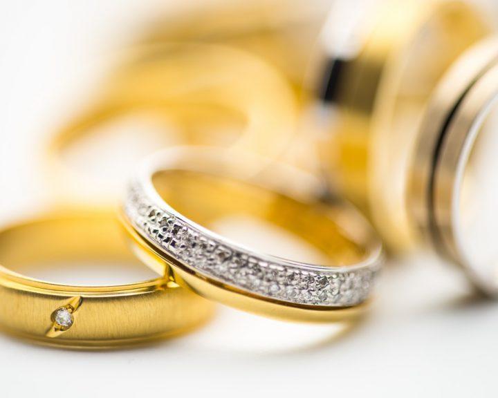 Как сдать золото в ломбард?